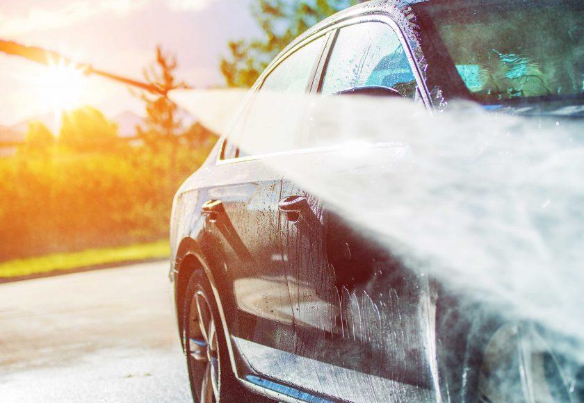 Schoonmaken auto, schoonmaken binnenkant buitenkant, schoonmaken tapijten, schoonmaken zetels, schoonmaken dashboard, schoonmaken carrosserie, schoonmaken velgen
